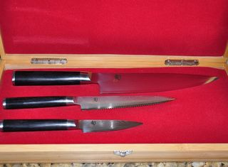 Knives in box